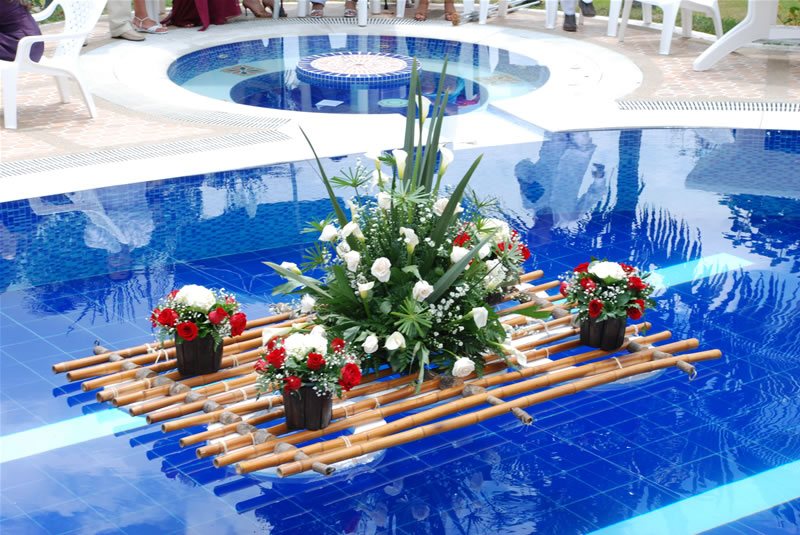 Decoracion piscina organizar una boda foro for Decoracion jardin piscina